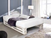 PALETTI Bett aus Paletten