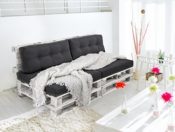 Sofa aus Paletten weiss